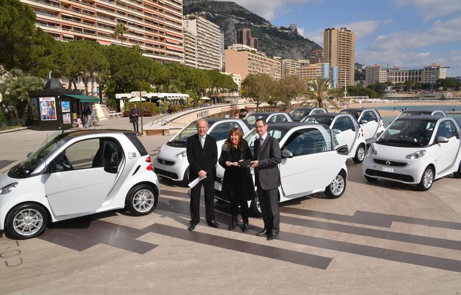 Monaco Renews Its Fleet Of Ten Electric Smart Cars