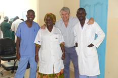 CHPG Sénégal - Dr. Jacques Raiga,* Deputy Head of the CHPG's Department of Gynaecology and Obstetrics and Pikine National Hospital Medical staff ©DR