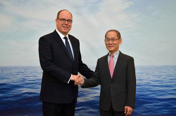 GIEC - HD -  S.A.S. le Prince Albert II de Monaco et M. Lee Hoesung, Président du GIEC© Charly Gallo / Direction de la Communication