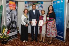 Guide drépanocythose - Official presentation of the guide by Anne Poyard-Vatrican, Deputy Director of International Cooperation, to Professor Mamy Lalatiana Andriamanarivo, Malagasy Minister of Health, in the presence of Professor Olivat Rakoto Alson and Pascale Jeannot, President of the NGO Lutte Contre la Drépanocytose à Madagascar © DCI