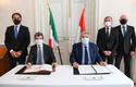 Signature Accord télétravail Monaco-Italie. ©Direction de la Communication-Manuel Vitali - Andrea Orlando, Italian Minister of Labour and Social Policies (seated on the left), H.E. Pierre Dartout, Minister of State (seated on the right), H.E. Giulio Alaimo, Italian Ambassador to Monaco (standing on the left), Didier Gamerdinger, Minister of Health and Social Affairs (behind H.E. the Minister of State), and Laurent Anselmi, Minister of Foreign Affairs and Cooperation (standing on the right). © Government Communication Department / Manuel Vitali
