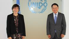 Signature UNIDO - Ms Isabelle Rosabrunetto, Director General of the Ministry of Foreign Affairs and Cooperation, and Mr Li Yong, Director General of the United Nations Industrial Development Organization (UNIDO) ©DR
